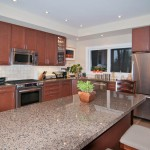 Muskoka golf villa kitchen island